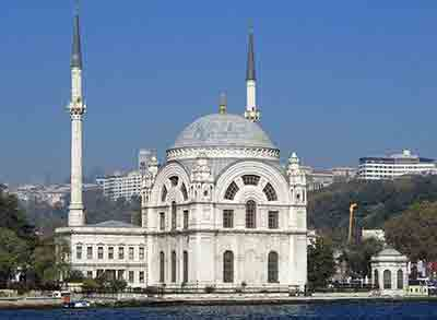 Mosque beside the Bosphorus