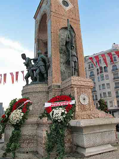 Monument in Taksim Square