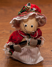 Mrs Santa straw figure